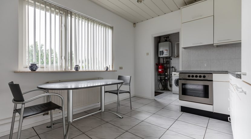 For Rent! A detached family house with free view @Amsterdam Nieuw-West Osdorperweg 582 Foto 11 keuken 01b