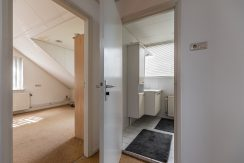For Rent! A detached family house with free view @Amsterdam Nieuw-West Osdorperweg 582 Foto 23 Overloop 01b