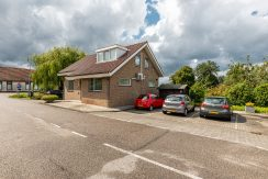 For Rent! A detached family house with free view @Amsterdam Nieuw-West Osdorperweg 582 Foto 29 Parkeerplaatsen 01a